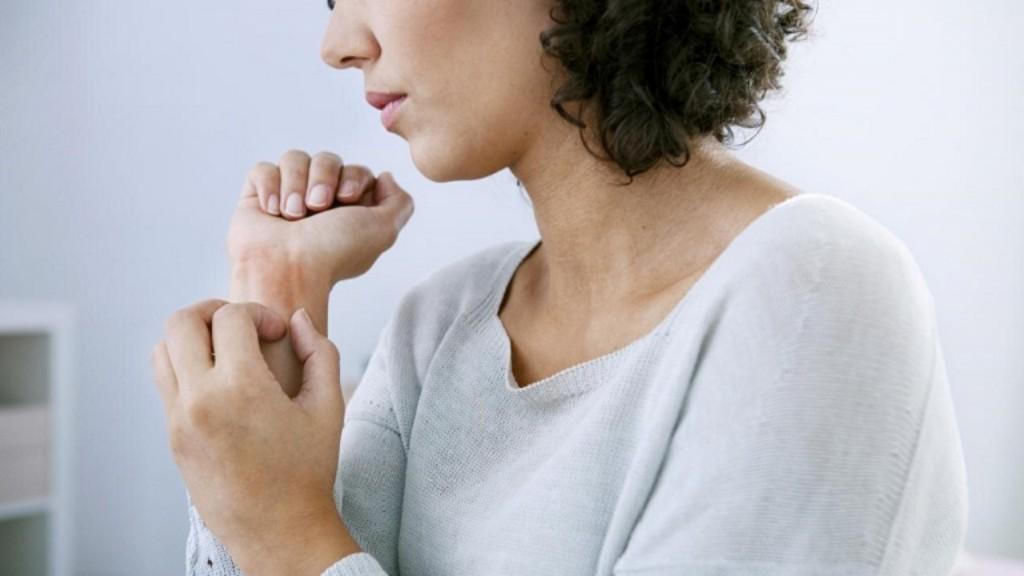 pikkelysömör fotótünetek és kezelés felnőtteknél otthon vörös foltok a bőrön mi ez és hogyan kell kezelni