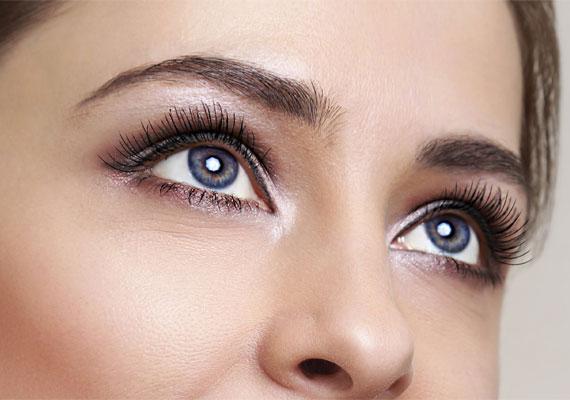 hogyan kell kezelni a pikkelysmrt a szemhvon