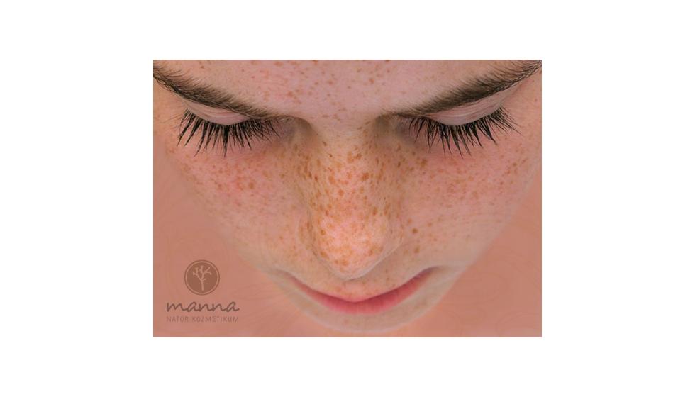 hogyan lehet eltávolítani az arcon lévő vörös foltokat a könnyektől)