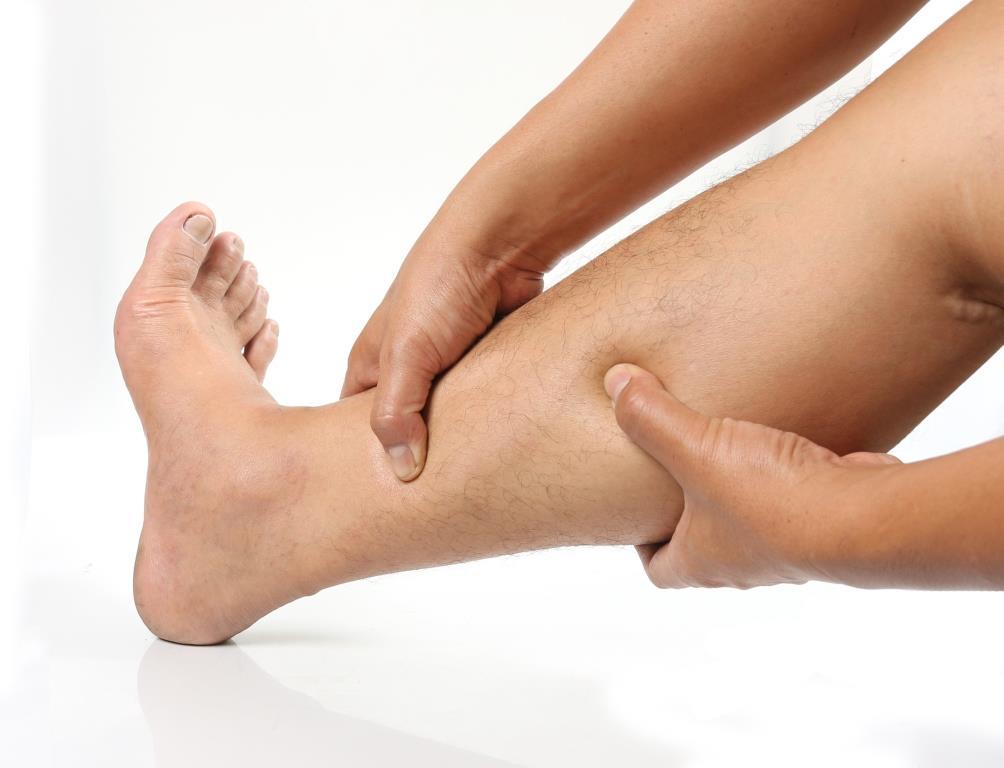 vörös foltok a lábán fájdalommal