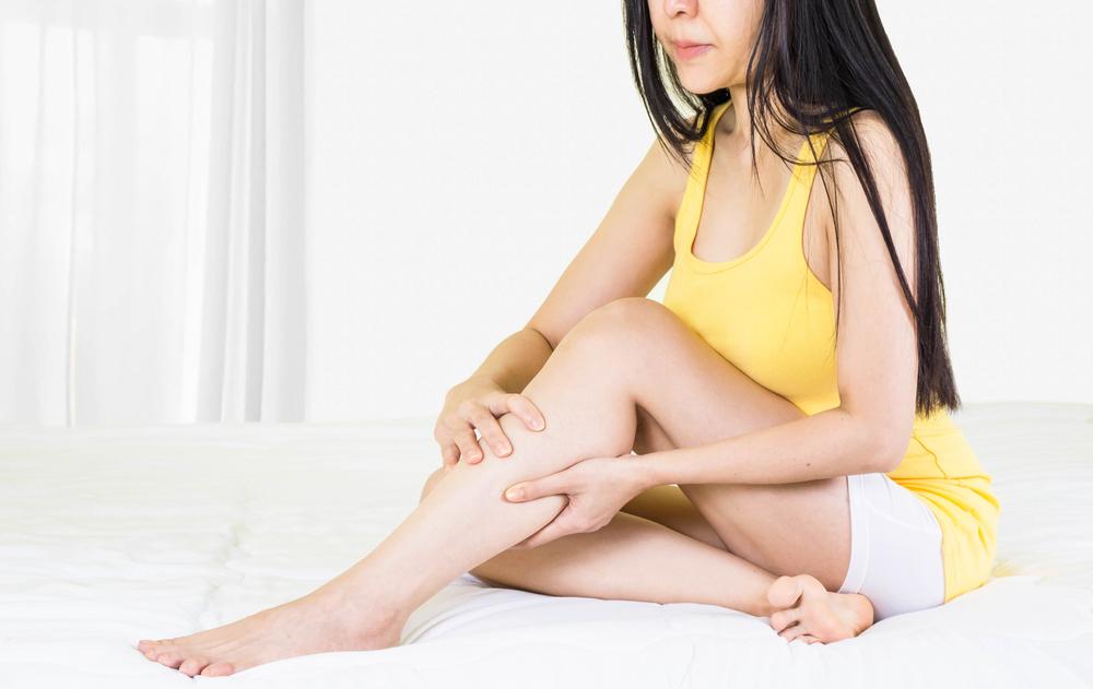 mit jelentenek a vörös foltok a lábakon)